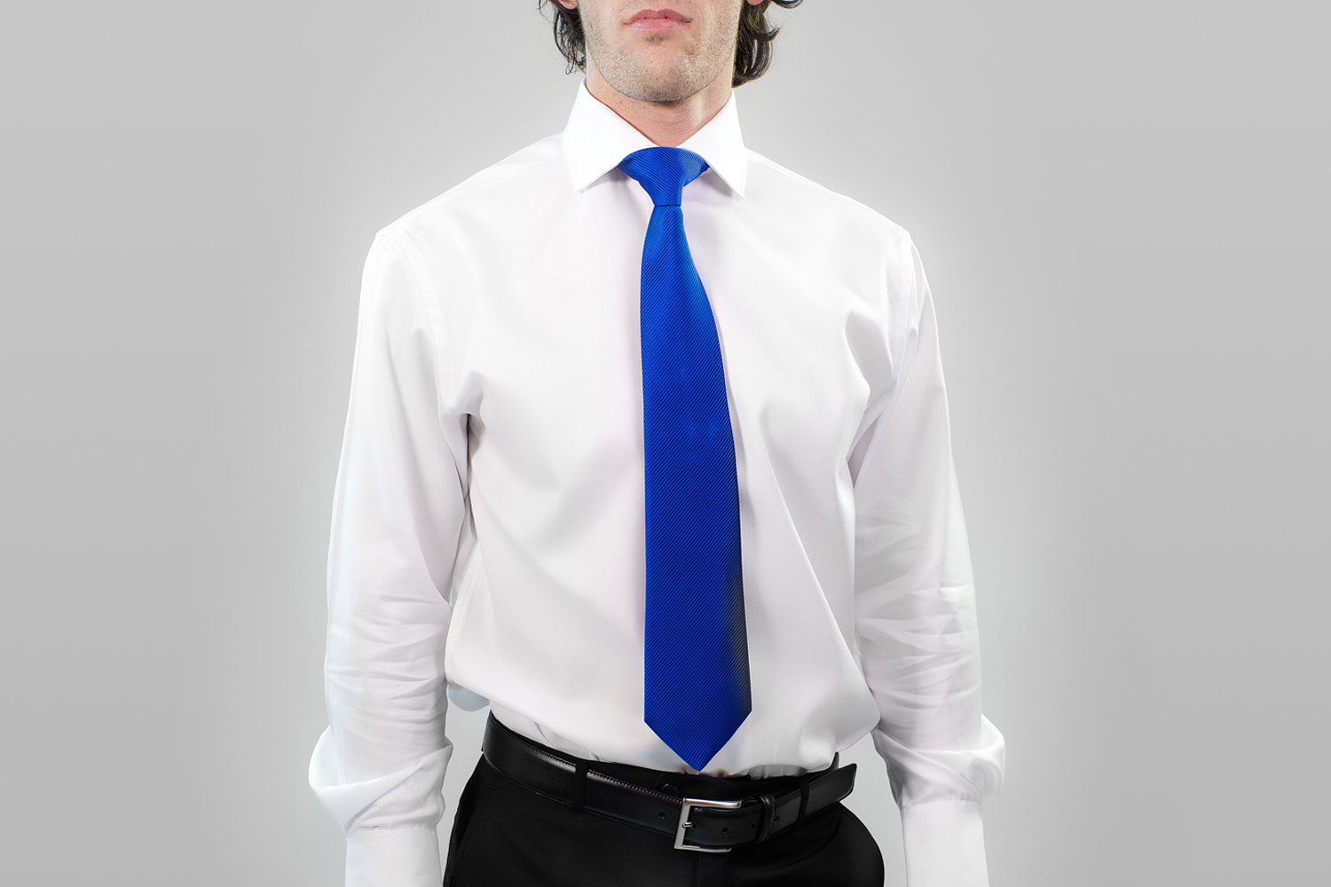 cravate bleu une couleur d 39 t. Black Bedroom Furniture Sets. Home Design Ideas