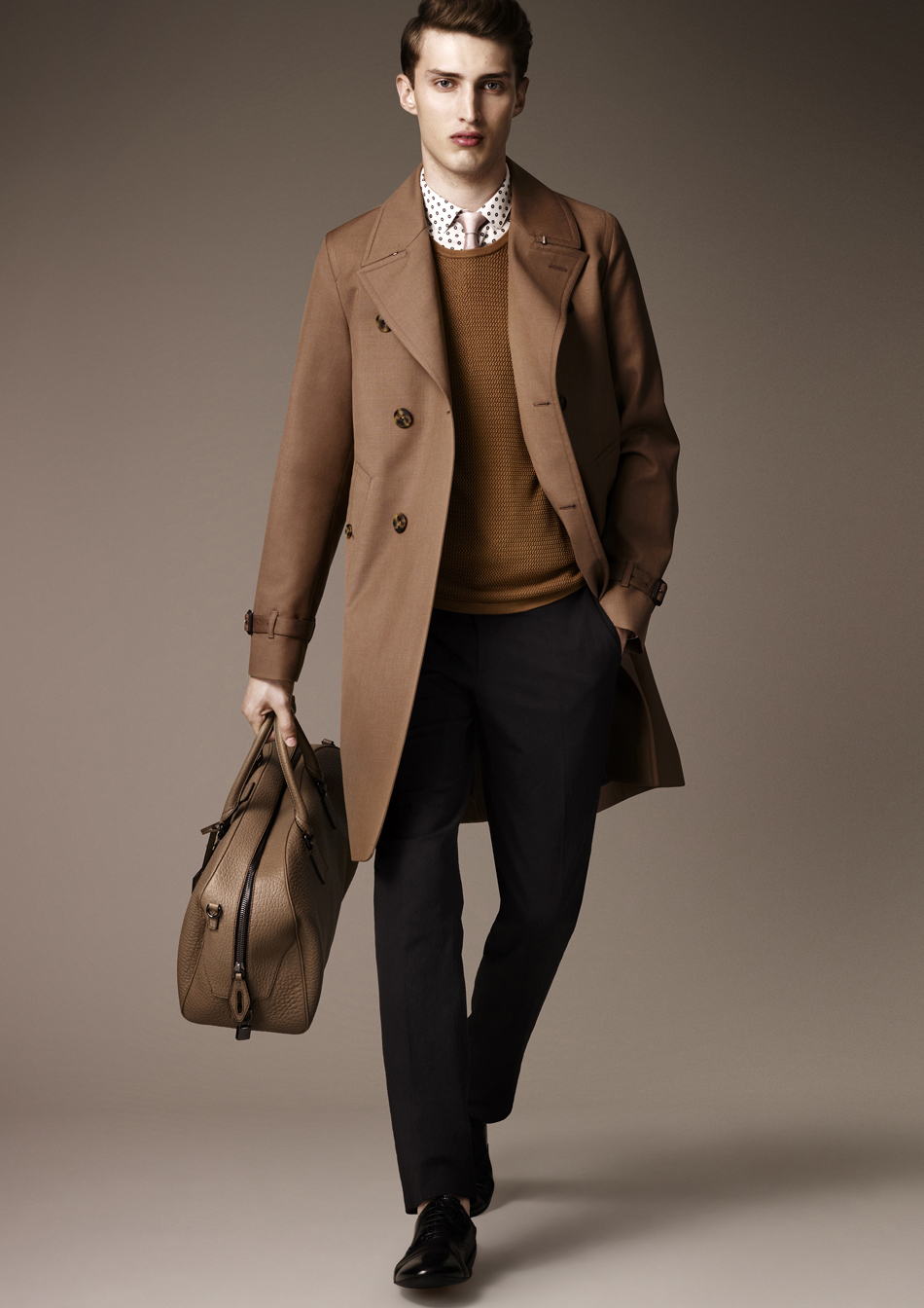 Trench burberry homme j 39 aime ces carreaux - Look homme classe ...